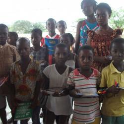 Remise de kits/manuel scolaires aux orphelins et démunis